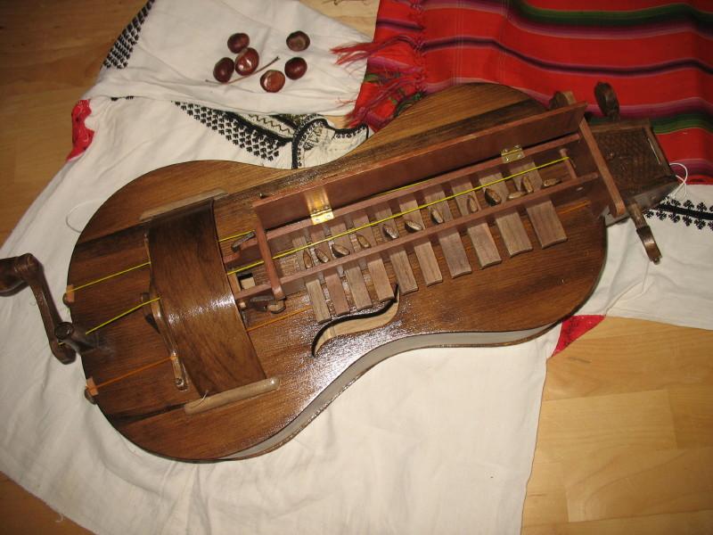 Музыкальные инструменты в сказках